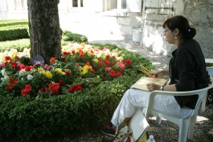 Marie-Victorine a ensuite travaillé sur les fleurs et Florence sur de la ronde bosse